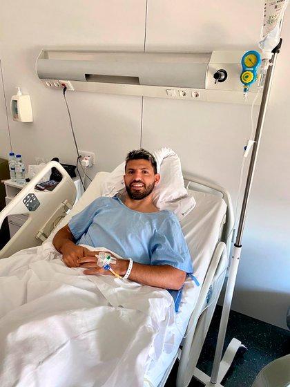 Sergio Agüero fue operado con éxito en Barcelona(@aguerosergiokun)