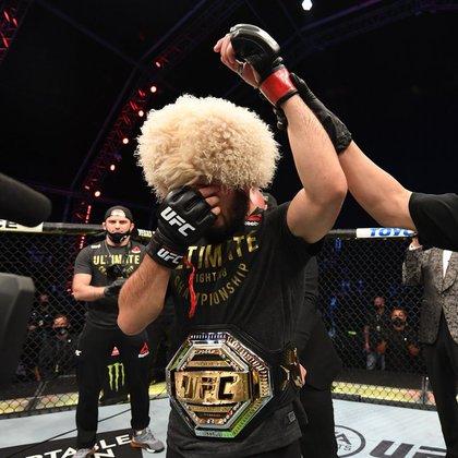 Khabib Nurmagomedov se retiró de la UFC como campeón de peso ligero e invicto en 29 peleas (UFC)