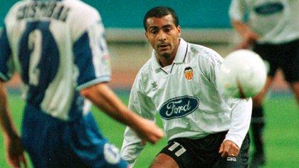 Romario duró poco en el Valencia bajo la conducción de Luis Aragonés (Reuters)