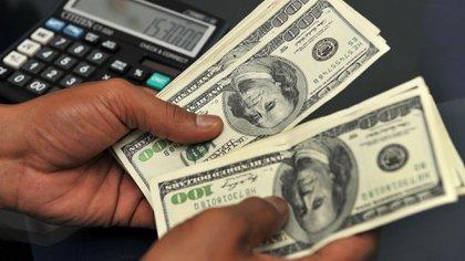El pago de deuda externa hizo perder reservas en divisas del Banco Central NA  162