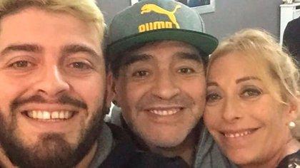 Diego Junior, Diego Maradona y Cristiana Sinagra, treinta años después del nacimiento del primogénito del jugador (Foto: @cristianasinagra)