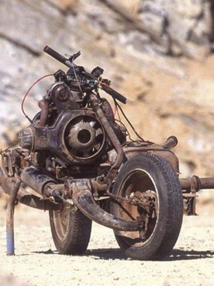 La rueda delantera era la única con cierta suspensión. La trasera, la encargada de la propulsión