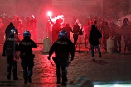 Choques en Piazza del Popolo (Reuters)
