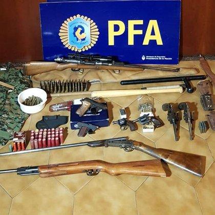 Las armas que encontró la Policía Federal en el allanamiento al simpatizante de Hezbollah