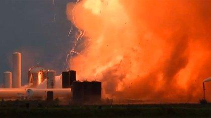 Un prototipo del Starship de Space X explotó durante una prueba el viernes en Texas