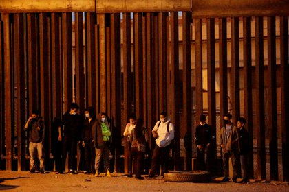 Migrantes en El Paso, Texas, Estados Unidos (REUTERS/Jose Luis Gonzalez)