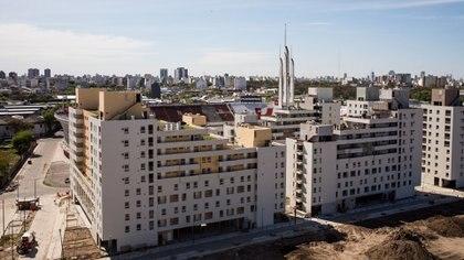 Las viviendas están ubicadas en Parque Patricios, cerca del estadio del club Huracán