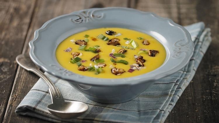 Sopa crema de cebolla, un clásico para los días de frío