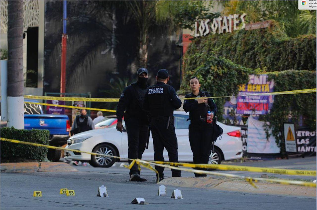 Un comando llegó abordo de cuatro vehículos, vestidos con equipo táctico, al restaurante Los Otates (Foto:FERNANDO CARRANZA/CUARTOSCURO)