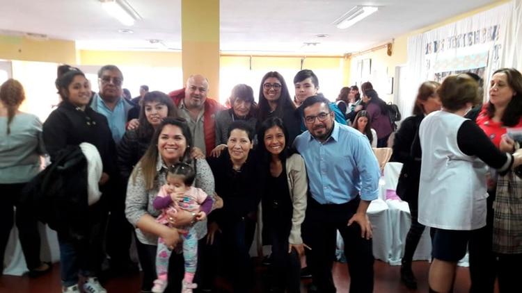 Foto familiar. Gabriela, un orgullo para su familia
