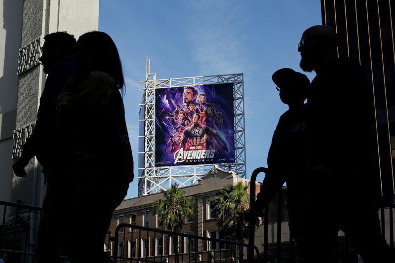 """Foto de archivo. Los fanáticos llegan al Teatro Chino TCL en Hollywood para premiere de """"Avengers: Endgame"""", Los Ángeles, California, EEUU. 25 de abril de 2019. REUTERS/Mike Blake."""