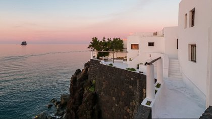 El entorno no puede ser más apetecible en la mansión donde reinan el mar, el sol y la tranquilidad