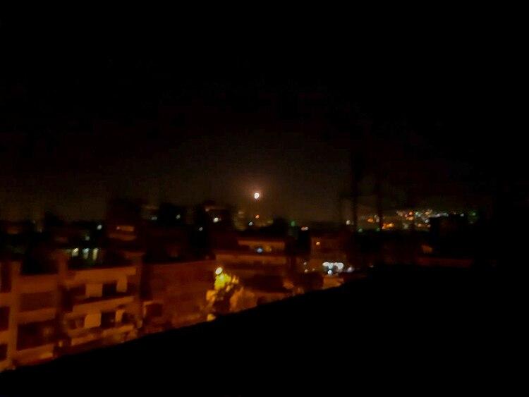 Un misil sobre Damasco (REUTERS/Firas Makdesi)