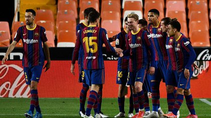 Barcelona visita al Levante con la única misión de ganar para seguir prendido en la lucha por el título: hora, TV y formaciones