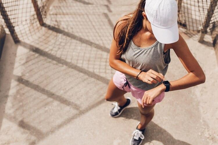 Furor por los sombreros  las tendencias para el verano del accesorio ... dc2d9b10a7b