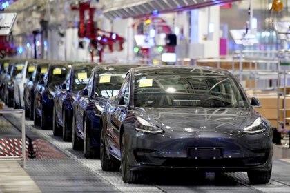 Tesla ha enfrentado demandas por este tema, lo cual pondría en riesgo la pretensión de Musk de sacar taxis autónomos a las calles. (Foto: Aly Song/Reuters)
