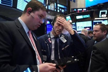 Corredores de bolsa en Wall Street (REUTERS/Bryan R Smith)