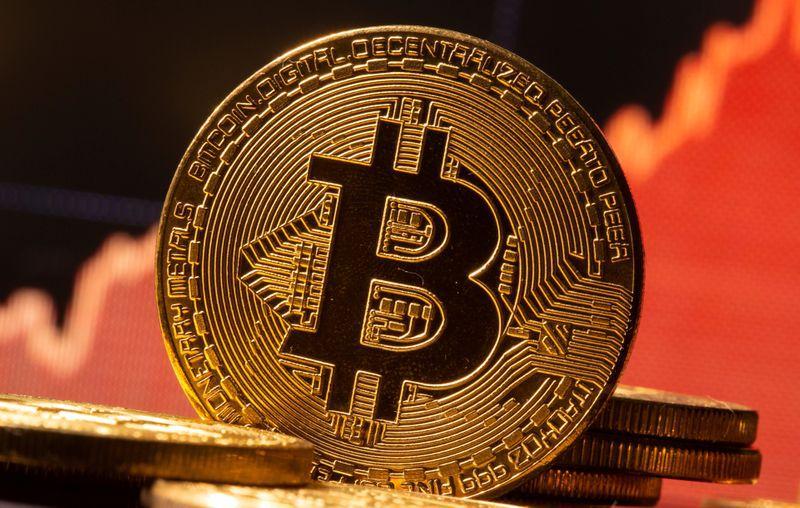 Fondos institucionales entraron al mercado de bitcoin este año y le dieron un impulso inpedito. REUTERS/Dado Ruvic