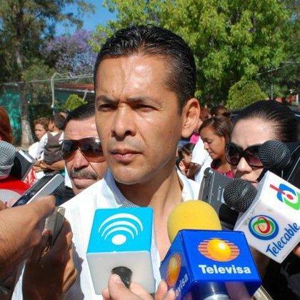 Adrián Ventura Dávila ostentó varios cargos dentro del Partido Revolucionario Institucional (PRI); en 2010 se desempeñó como alcalde de la capital, actualmente era notario (Foto: Facebook)