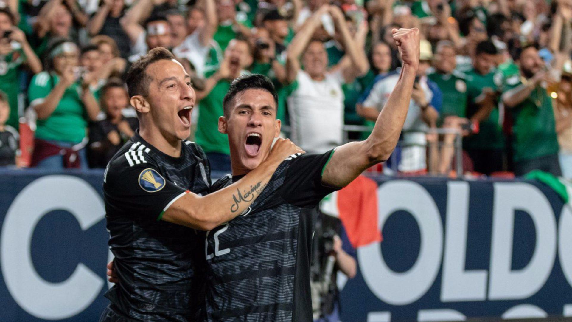 El capitán Guardado (izquierda) festeja el triunfo ante Canadá el miércoles pasado (Foto: Twitter @miseleccionmx)