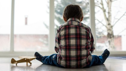 El promedio de edad en la que se obtiene el diagnóstico de autismo es a los tres años (Shutterstock)