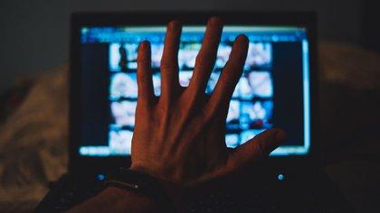Un análisis neuronal encontró que los cerebros de ambos sexos responden de la misma manera a la pornografía (Shutterstock)