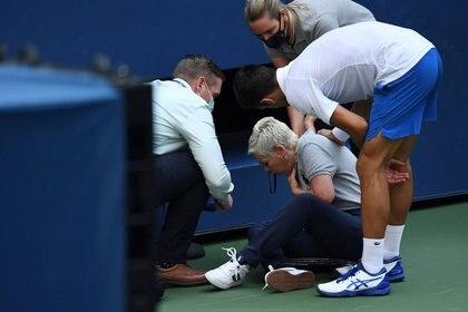 Los Gritos De La Jueza De Linea Tras El Pelotazo De Djokovic Que Generaron Gran Preocupacion Infobae