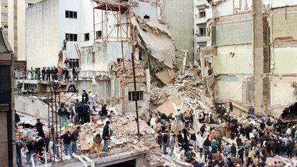 La bomba explotó a las 9.53 del 18 de julio de 1994 y mató a 85 personas (Reuters)