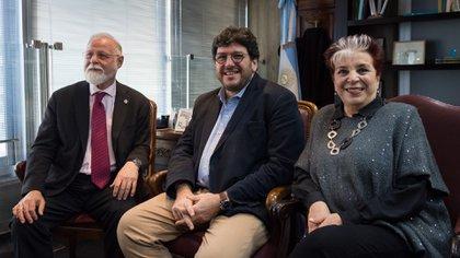 Alberto Manguel, Pablo Avelluto y Elsa Barber (Crédito: Martín Rosenzveig)
