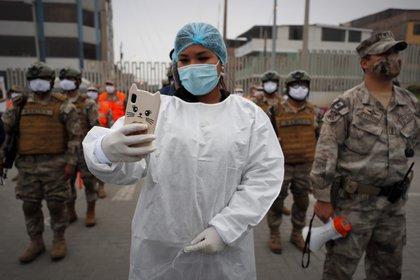 El plan de vacunación es un desafío en todos los países. Aquí, plan piloto en Perú.  EFE/Paolo Aguilar/Archivo