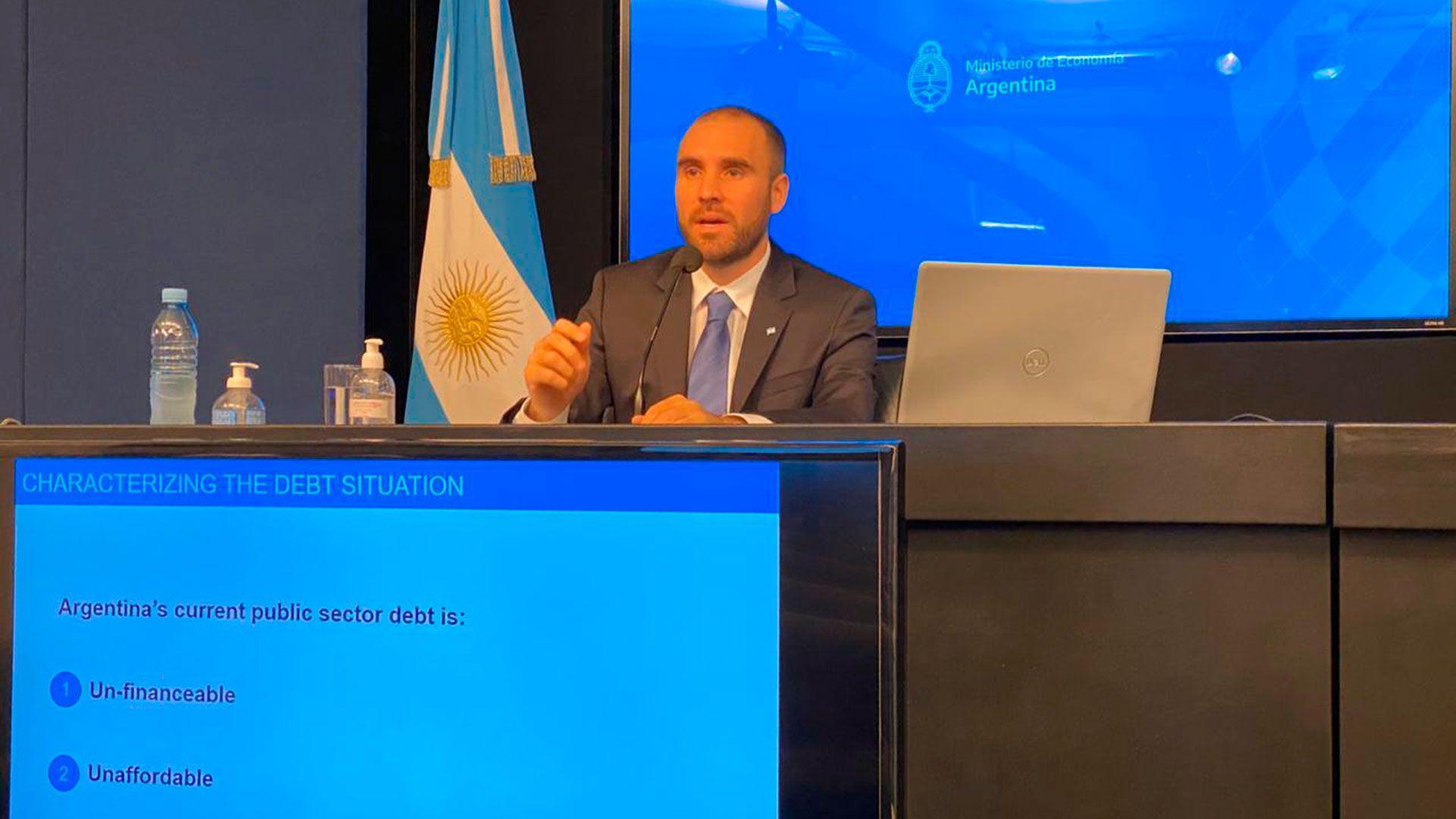 """La oferta a los acreedores privados por parte del ministro Martín Guzmán no se debe demorar. Ella misma, en cierto sentido, es un programa. Estamos arriesgando el efecto """"buitre"""""""