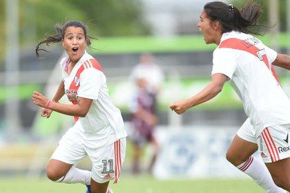 La uruguaya Carolina Birizamberri juega en River y es la goleadora del torneo femenino (Prensa River)
