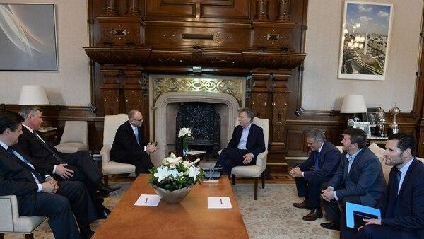 Macri recibió en la Casa Rosada a los directivos de GM