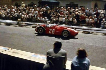 En 1956 Stirling Moss consiguió su victoria más importante en el Gran Premio de Mónaco con la Maserati 250F.