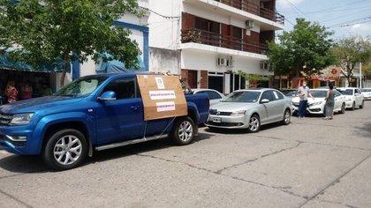 Los convocados entregaron una carta a las 2 municipalidades (Fotos gentileza ReconquistaHoy)