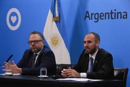 El ministro de Economía Martín Guzmán y el titular de la cartera de Desarrollo Productivo, Matáis Kulfas
