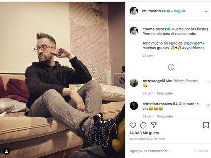 Los influencers como Chumel Torres empezaron a introducir el producto mediante una etiqueta promocional al menos un año antes de lanzado el dispositivo en México (Foto: Twitter/ @SerchRincon)