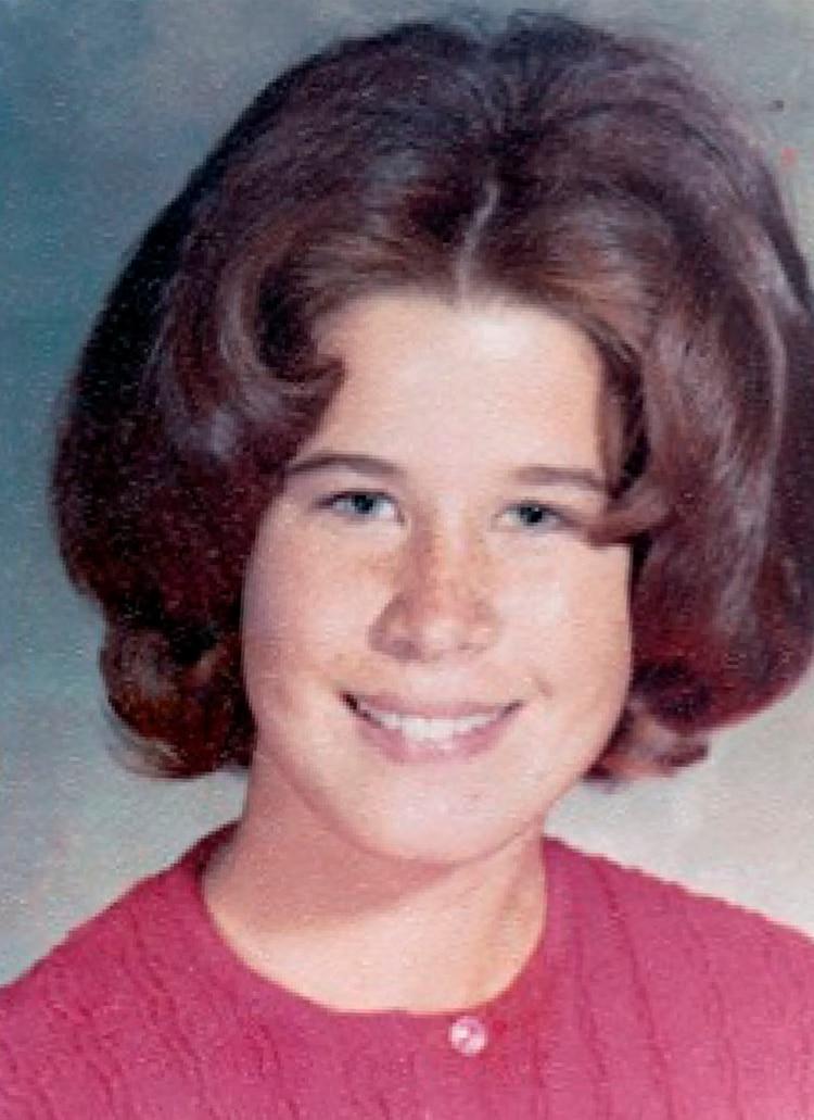 La imagen de Dianne Lake con 17 años y en 1970, apenas un año después de haberse separado de la Familia Manson
