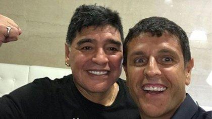 Maradona y Stefano, juntos. Diego era padrino de un hijo del Tano