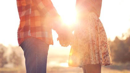 Como su nombre indica, los amigos con beneficios solo se forman cuando dos amigos con los mismos intereses y percepciones tienen un acuerdo sobre lo -que en términos sexuales -los beneficiará mutuamente (Shutterstock)