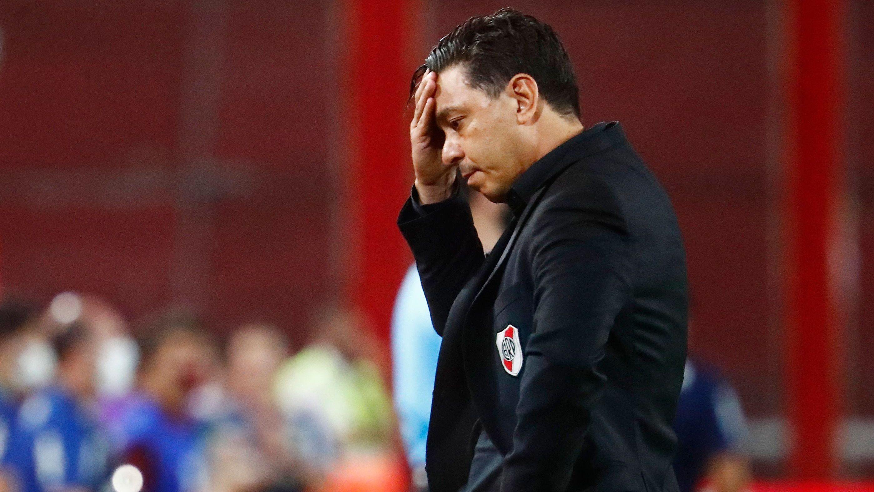 El Muñeco no dio indicios de la formación titular para enfrentar a Palmeiras (REUTERS/Marcos Brindicci)