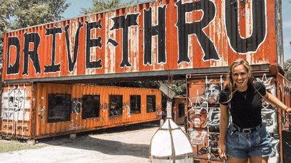 En 2014, Butch Anthony construyó el primer museo drive thru del mundo con contenedores.