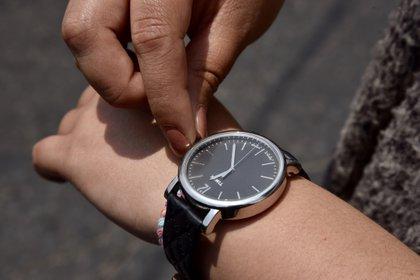 El reloj retrocede una hora (Foto: Artemio Guerrero Bajo / Quartoscoro)