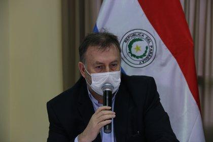 El ministro de Hacienda de Paraguay, Benigno López, fue registrado este jueves, durante una rueda de prensa, en Asunción (Paraguay). EFE/Noelia F. Aceituno
