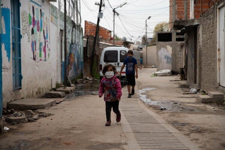 Coronavirus en las villas: crece el malestar social por el peligro ...