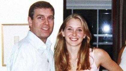 El príncipe Andrés junto a Virginia Roberts Giuffre