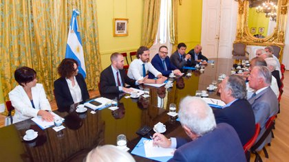 Gabinete Económico y Social, liderado por Santiago Cafiero y Guzmán, se reúnen una vez por semana en la Casa Rosada