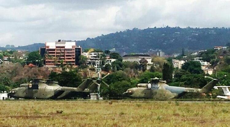 Dos de los tres Mi 26 rusos abandonados en la base militar de La Carlota, en Caracas