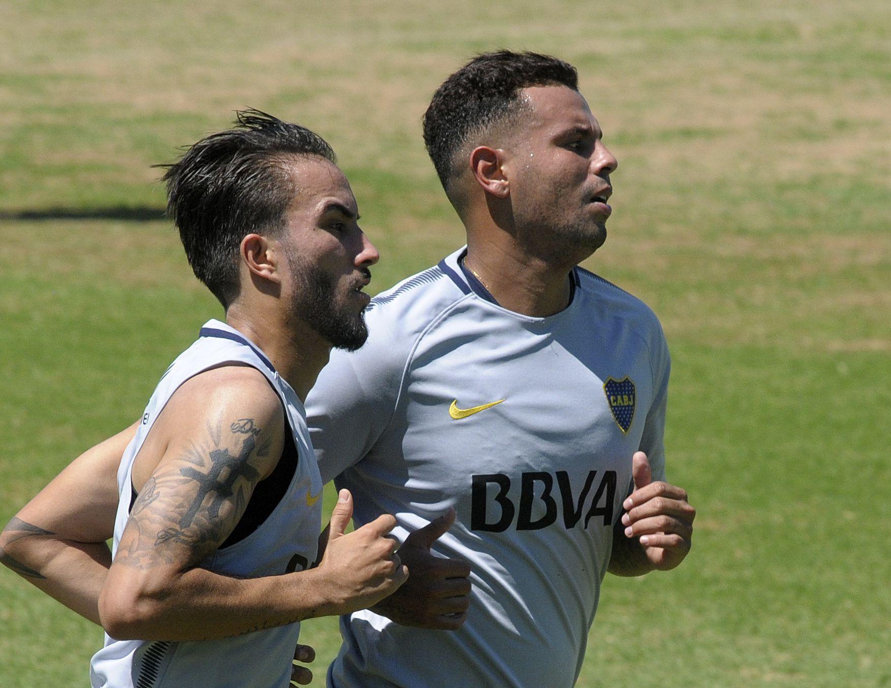Sebastián Pérez y Edwin Cardona durante la pretemporada de Boca en 2018 (Foto NA: SANTIAGO PANDOLFI)