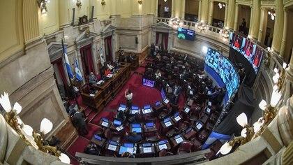 El Gobierno promulgó la ley que estableció cambios en el Impuesto a las Ganancias y el Monotributo
